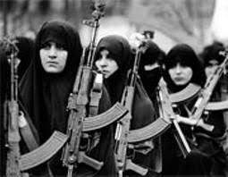 زنان مبارز نردبانی از جنس نور جنگ