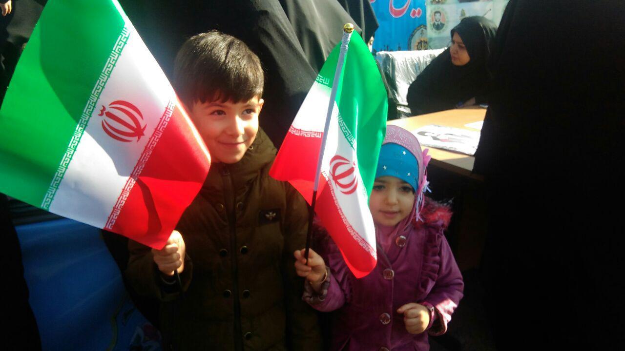 دهه نودی ها در 22 بهمن